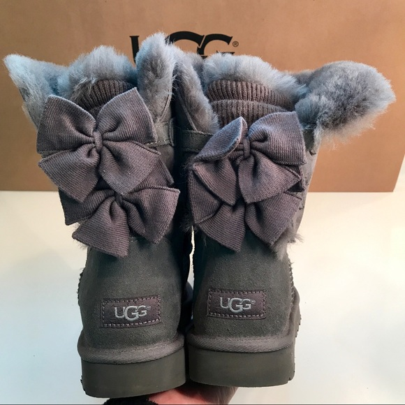 New Ugg Bailey Bow Short Ruffle Suede